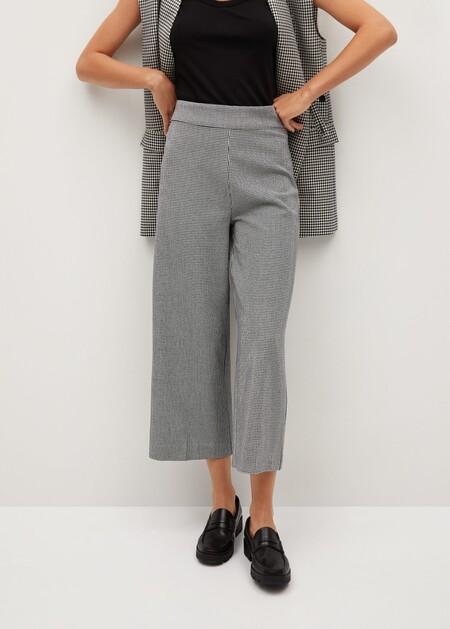 https://shop.mango.com/es/mujer/pantalones/pantalon-palazzo-satinado_77032895.html