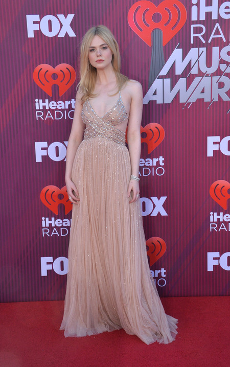 premios iheart radio music awards elle fanning