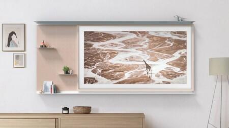 Samsung The Frame 2021 llega con 1.400 obras de arte y un accesorio para crear un mueble en la pared a partir del televisor