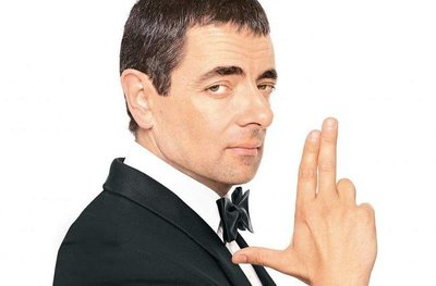 Gillian Anderson, Dominic West y Rosamund Pike en 'Johnny English Reborn'