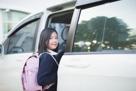 """No seamos cómodos: evitemos que nuestros hijos sean la generación """"asiento de atrás"""""""