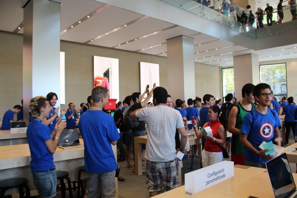 Foto de Inauguración de la Apple Store del paseo de Gracia (15/27)