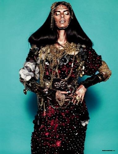 Lakshmi Menon en la portada de Dazed & Confused abril II