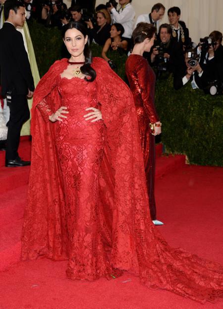 Monica Bellucci de Dolce Gabbana Gala MET 2014
