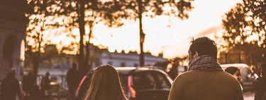 La relación entre padres e hijas ha cambiado: ahora ellas hablan con ellos de sexualidad y relaciones