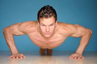 Evoluciona con tus flexiones para intensificar el entrenamiento