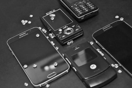 Del 3310 al Motorola StarTAC: los 11 móviles más emblemáticos antes de la era smartphone