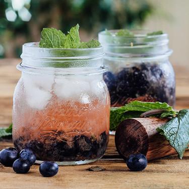 Cómo prepara un coctel de Tequila y Arándano Azul