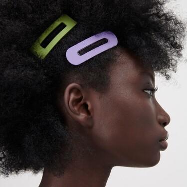 Estas son las pinzas de colores de Zara que quieren alegrar nuestros estilismos de verano