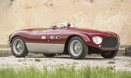 A subasta este Ferrari 625 Targa Florio de cuatro cilindros, que podría llegar a los 6,5 millones de euros