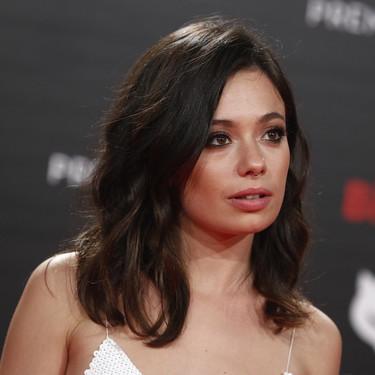 Premios Feroz 2019: Anna Castillo sorprende con este vestido cuajado de lentejuelas de color blanco con firma británica