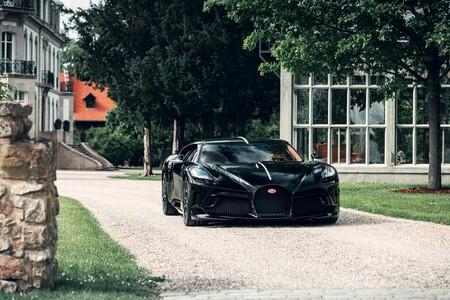 """El Bugatti """"La Voiture Noire"""" definitivo de 1.500 CV ya está poniendo a prueba su aerodinámica en circuito"""