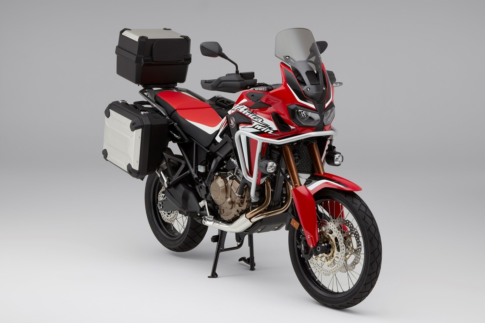 foto de honda crf1000l africa twin 2018 1 55. Black Bedroom Furniture Sets. Home Design Ideas