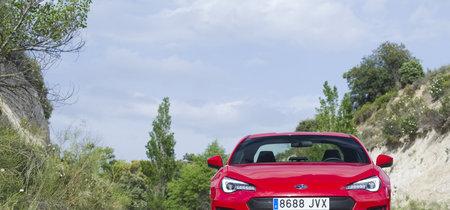 Probamos el Subaru BRZ, sinónimo de disfrute puro y duro, que ahora es aún mejor
