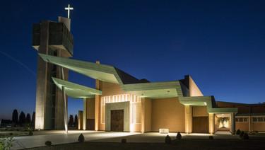 Iluminación y formas geométricas, grandes protagonistas de la arquitectura religiosa del SXXI