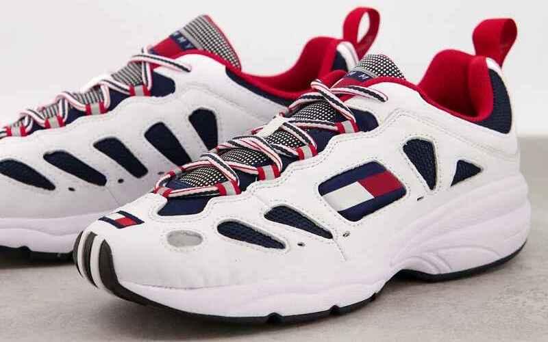 Zapatillas blancas clásicas con suela gruesa de Tommy Hilfiger