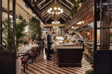 Los 13 restaurantes de Barcelona para salir a cenar en Navidad con amigos
