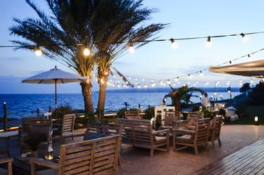 13 restaurantes  en la playa (sí en la orilla, como los de antes)