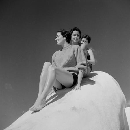 Carlos Saura Sonsoles Y Unas Amigas Suances 1954