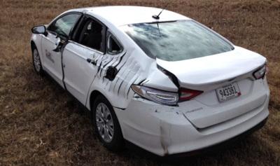 """Ford Fusion """"rebanado"""" en un aterrizaje de emergencia"""