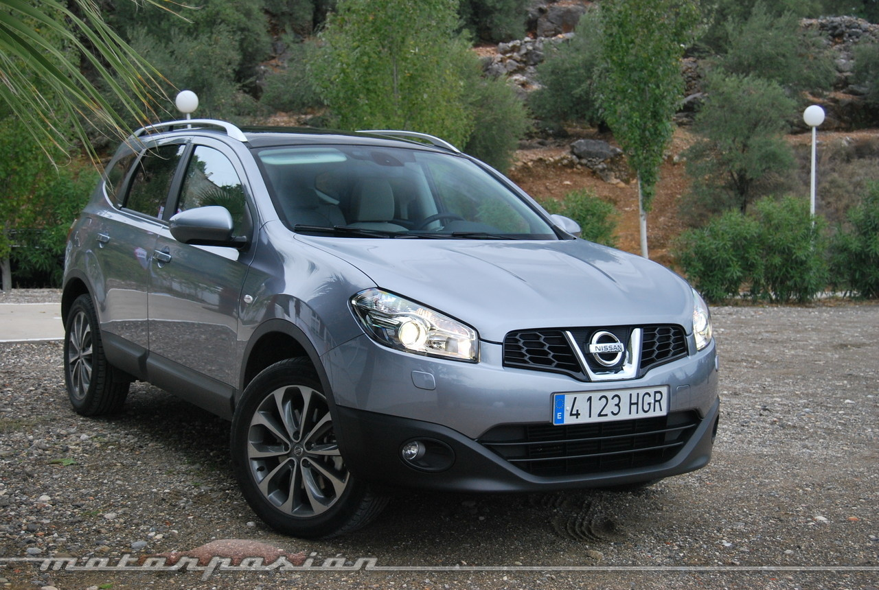 foto de nissan qashqai 2012 presentaci n 10 28. Black Bedroom Furniture Sets. Home Design Ideas