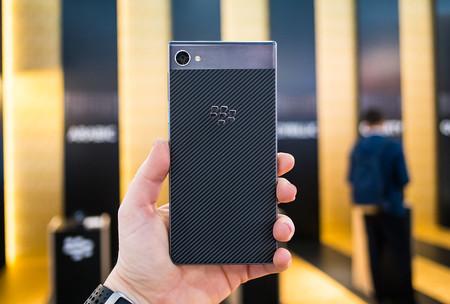 BlackBerry Motion, toma de contacto: lo antiguo, si seguro y fluido, dos veces bueno, pero no barato