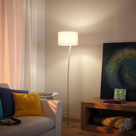Unas sencillas lámparas de pie que transmiten mucha elegancia atemporal para ambientes diversos