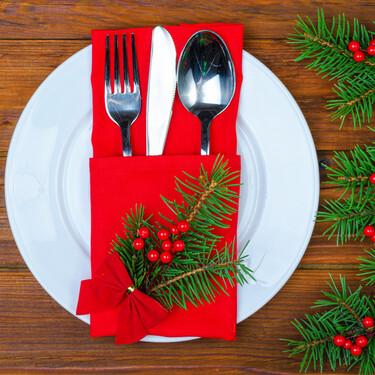 27 originales maneras de doblar las servilletas con motivos navideños y adornar tu mesa en estas fiestas
