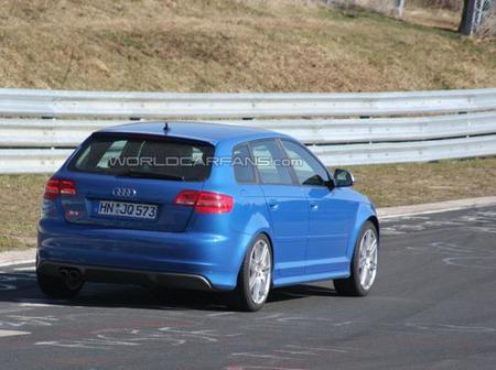 Audi RS3 (muleto de pruebas)