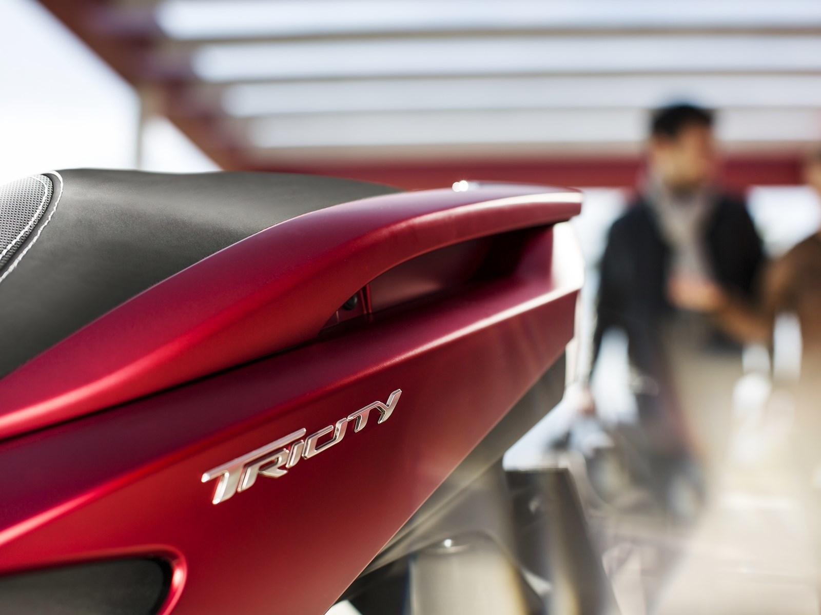 Foto de Yamaha Tricity 125 cc acción (12/21)