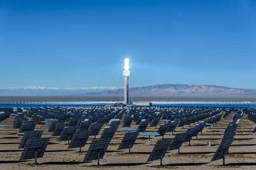 El caso de la planta solar de 1000 millones de dólares que buscaba ser la más avanzada del mundo y que hoy día ha quedado obsoleta