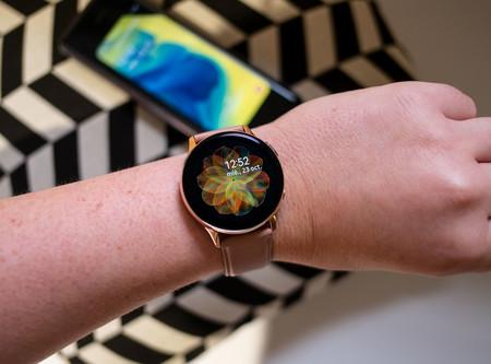 El moderno y elegante smartwatch Samsung Galaxy Watch Active2 nunca había estado tan barato en Amazon: 299 euros con envío gratis