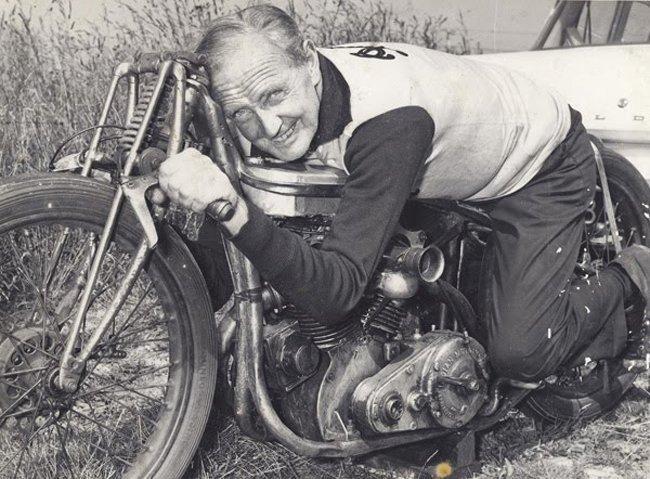 Burt Munro, enamorado de la velocidad