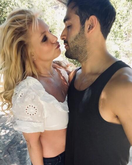 Britney Spears pasará de nuevo por el altar: se acaba de comprometer con su novio Sam Asghari