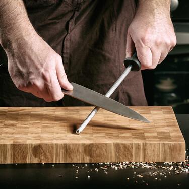 Cómo afilar un cuchillo (y las siete mejores herramientas para hacerlo)