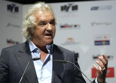 Flavio Briatore da por perdida la temporada para Ferrari