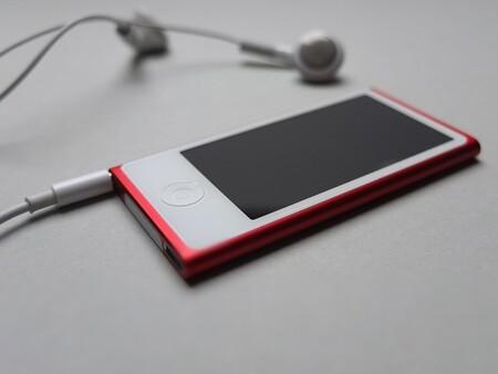 """Apple trabajó en un """"iPhone nano"""" que iba a ser más barato y pequeño que el iPhone 4 (aunque nunca vio la luz)"""