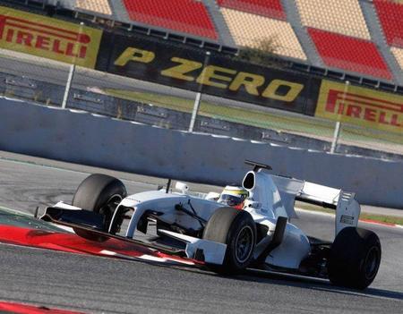 Pirelli pide apoyo a los equipos para presentar un programa de neumáticos agresivo