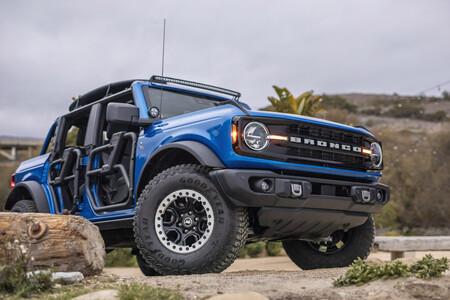 El aventurero Ford Bronco Riptide concept con 315 CV es el todoterreno mejor pensado para disfrutar de la playa y el surf