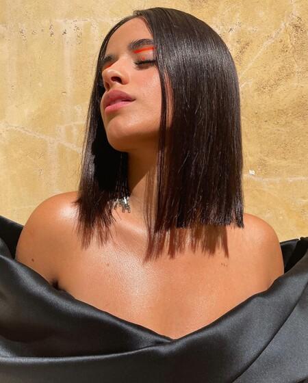 Camila Cabello nos conquista con el look más ideal: nuevo corte de pelo, maquillaje y manicura francesa que queremos copiar