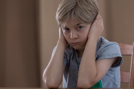 ¿Qué puedo hacer si mi hijo tiene orejas de soplillo?