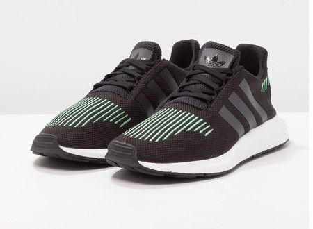 best sneakers 60cc2 ef29a Zapatillas deportivas Adidas Originals Swift run