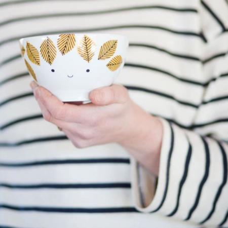 Descubre House of Rym, un hermoso packaging para una porcelana muy fresca y sesentera