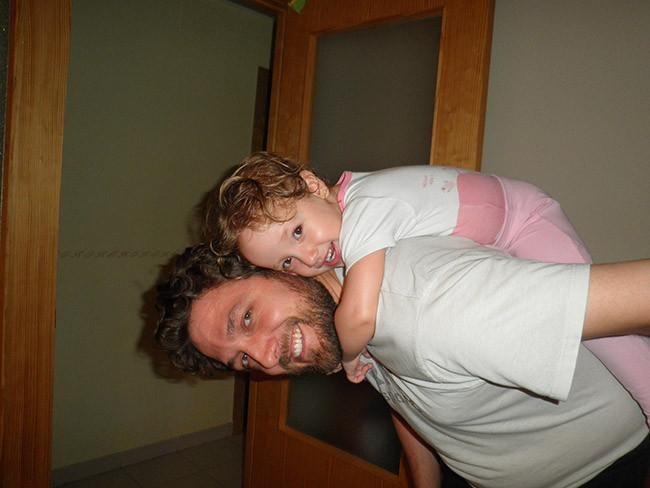 Celia con papá