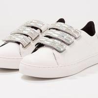 Las zapatillas de Cosmoparis Emi Blanc están en Zalando por 41,95 euros tras un 70% de descuento