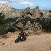 ¿Todavía no tienes planes para el verano? Pues si eres aventurero te damos una idea, el KTM Adventure Rally