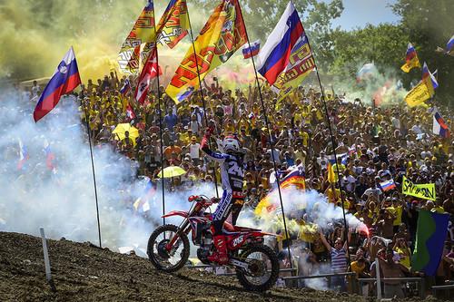 ¡Tim Gajser ya es campeón! Gana en Italia su segundo título de MXGP y Jorge Prado acaricia el suyo en MX2