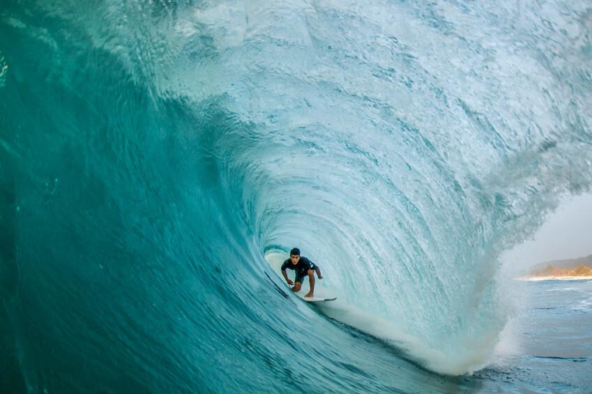 23 ofertas en accesorios y ropa para practicar el bodyboarding y surf que puedes encontrar en Decathlon: tablas de surf, remos, neoprenos y más