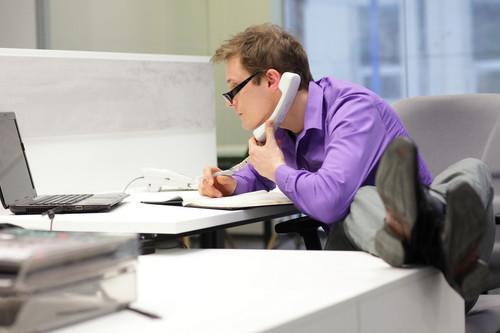 Estas son las lesiones más comunes en la oficina y así puedes prevenirlas
