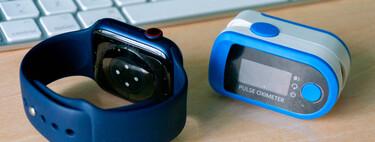 He probado el Apple Watch Series 6 contra un pulsioxímetro de dedo durante una semana: contrastamos con médicos su uso